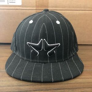 Fitted Cap Rome Hat